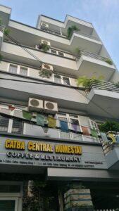 Cat Ba Central Homestay ben ngoai