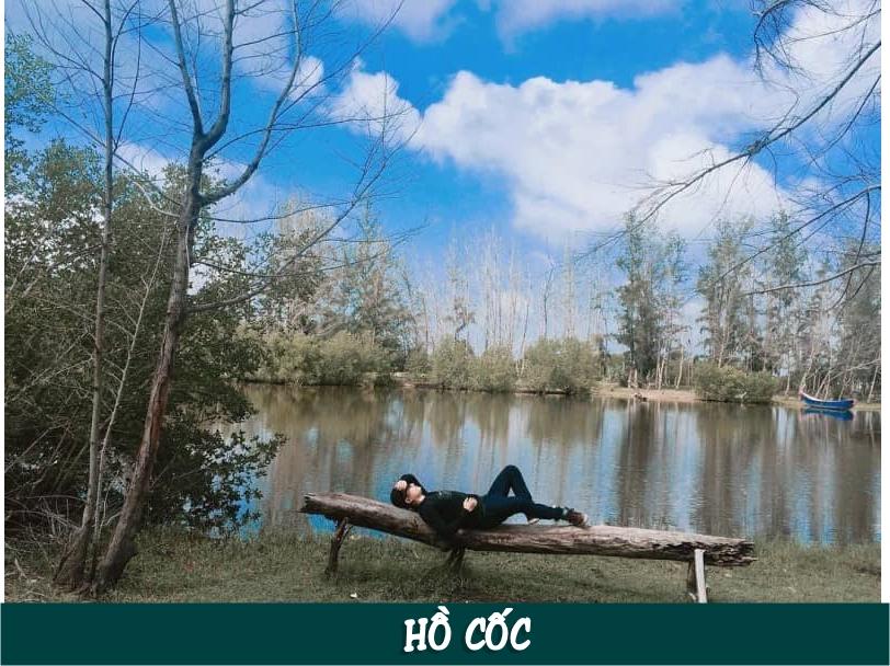 Hồ Cốc là bãi biển nhỏ nằm trên địa bàn xã Bưng Riềng, huyện Xuyên Mộc, tỉnh Bà Rịa Vũng Tàu, cách thành phố Hồ Chí Minh khoảng 125 km về phía Đông Nam.