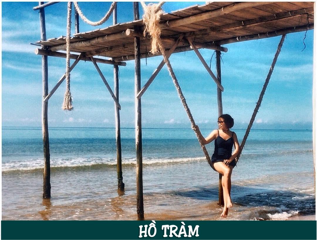 Hồ Tràm nằm ở huyện Xuyên Mộc tỉnh Bà Rịa – Vũng Tàu. Đây là một dải bờ biển nằm giữa hai huyện Bình Châu và Long Hải.