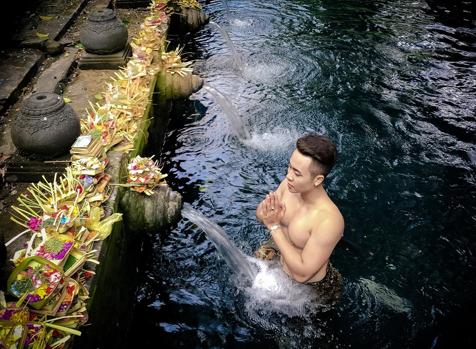 tirta empul holy water tample